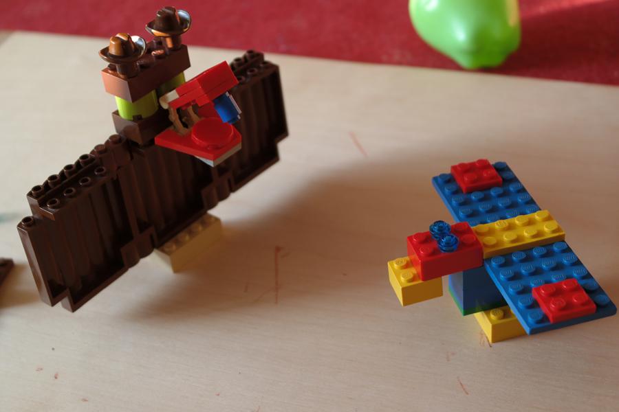 Lego denevér és papagáj