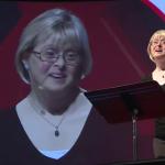 """""""Meg akarjuk változtatni a világot"""" – Karen Gaffney beszéde a Down-szindrómáról"""